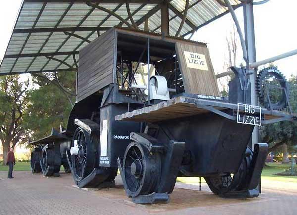 Tractorul-Big-Lizzie-2