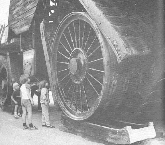 Tractorul-Big-Lizzie
