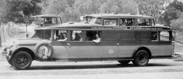 Autobuz-Pickwick-1